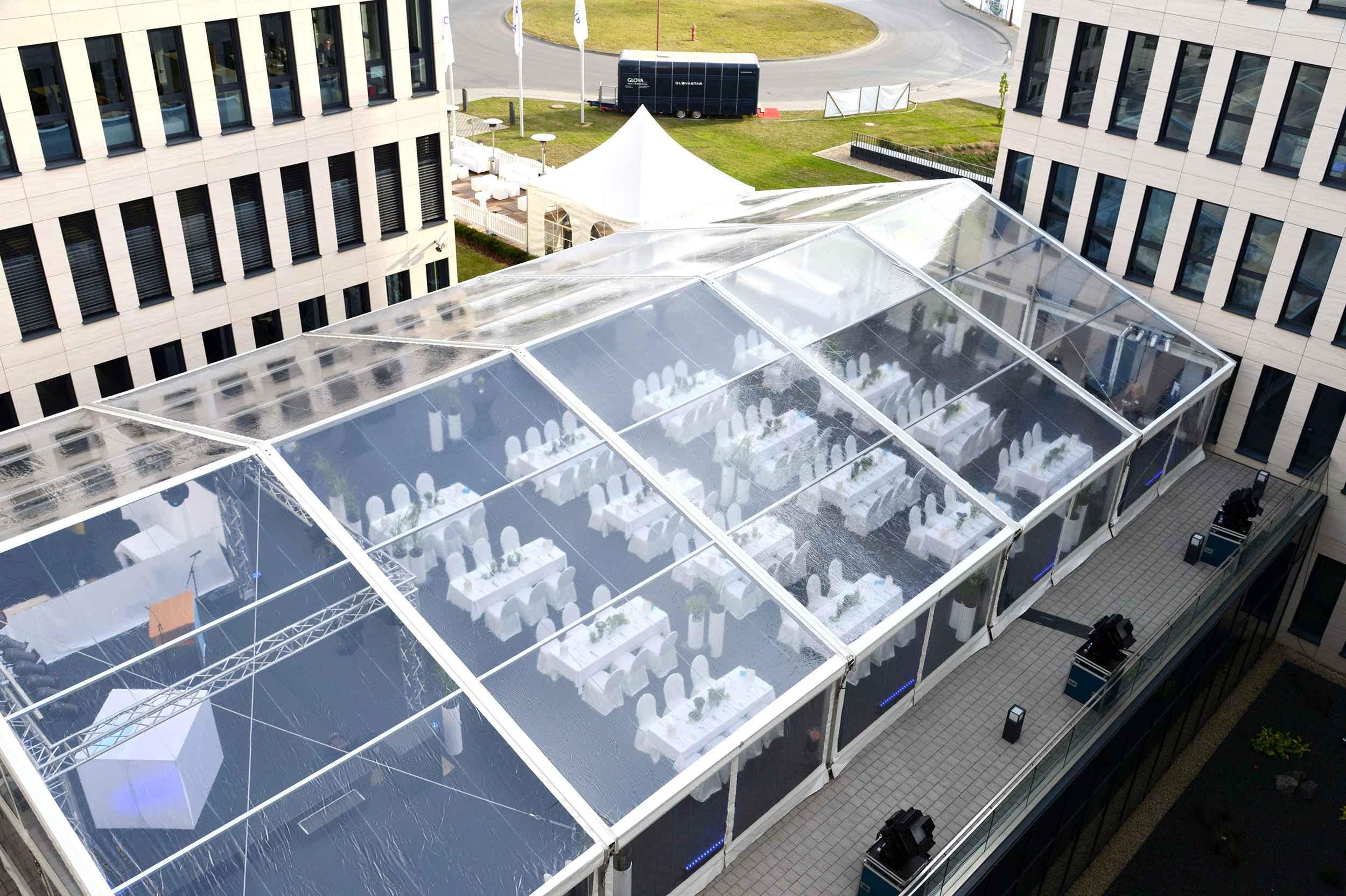 carpa transparente en Luxemburgo
