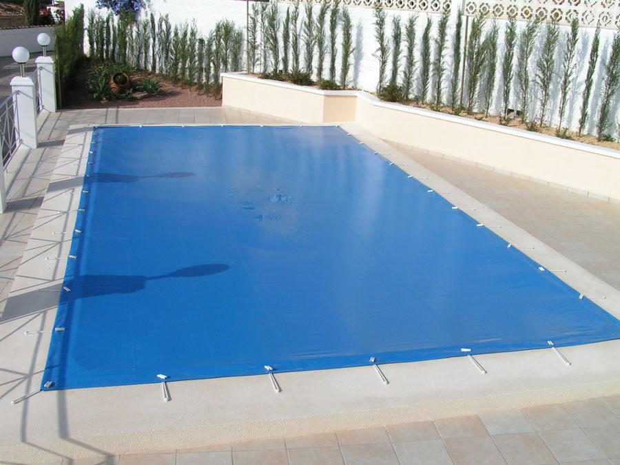 Toldos y lonas tensadas carpas terra for Lonas para tapar piscinas
